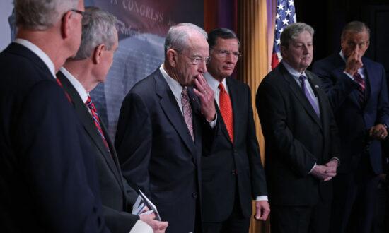 A Billion Questions About the Billionaires' Tax
