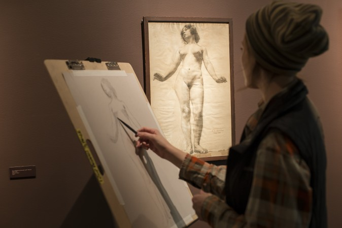 "A student copies a drawing displayed in the ""Drawn to Life"" exhibit at the Florence Academy of Art-U.S. Branch in Jersey City, N. J., on Feb. 28, 2017. (Samira Bouaou/Epoch Times)"