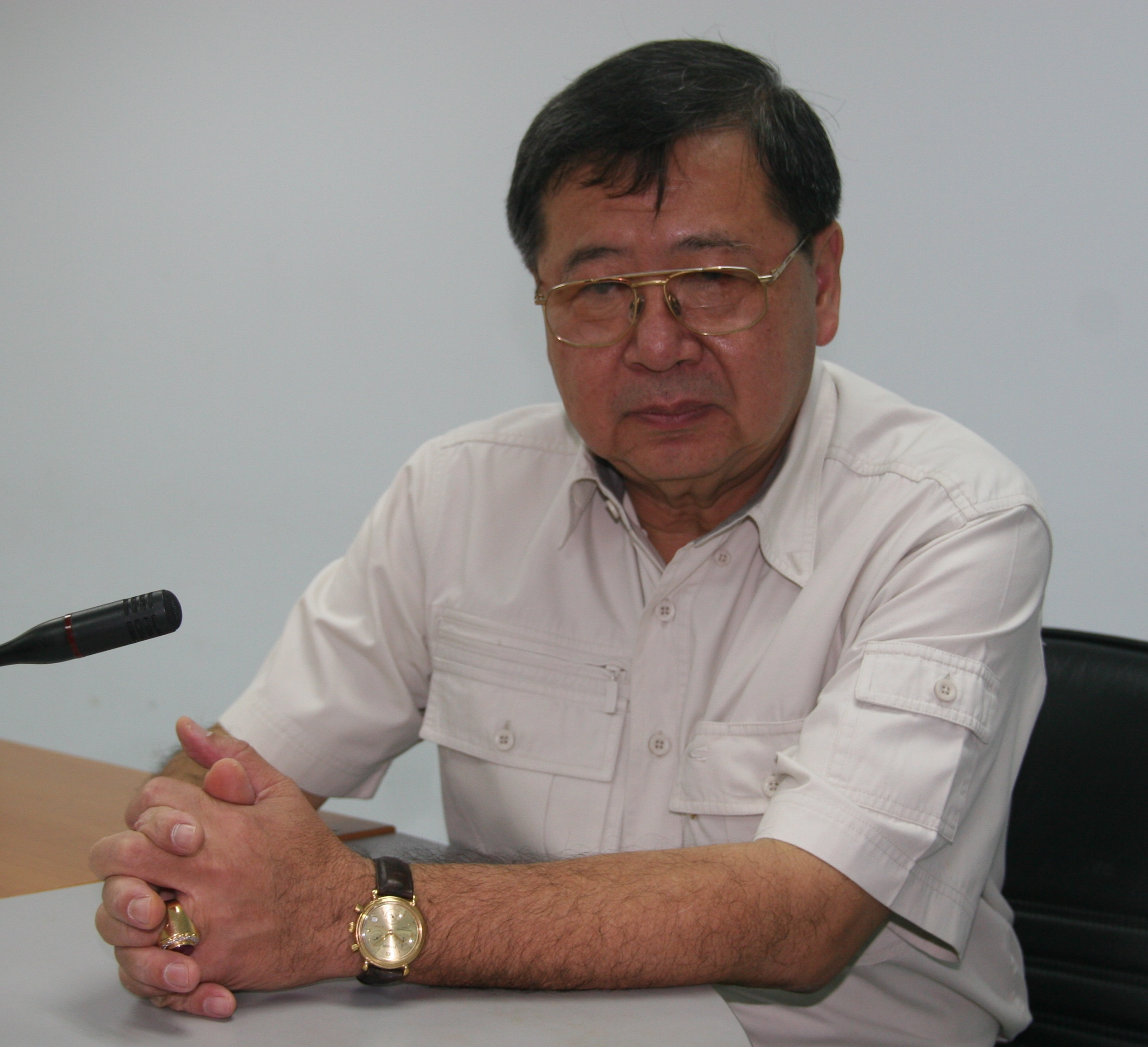 Vasant Panich, Commissioner on the National Human Rights Commission of Thailand (NHRCT). The NHRCT is considering its position concerning the recent arrests of Chinese refugee Falun Gong practitioners by Thai authorities, for peacefully protesting in front of the Chinese Embassy in Bangkok. (The Epoch Times)