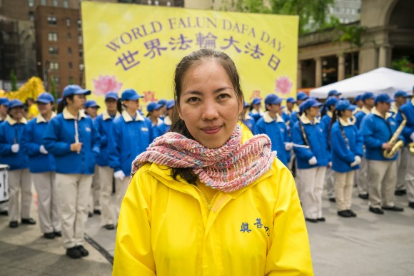 Hanh Nguyen, a Falun Dafa practitioner from Vietnam, in Union Square, New York City on May 11, 2017. (Xie Dongyan/The Epoch Times)