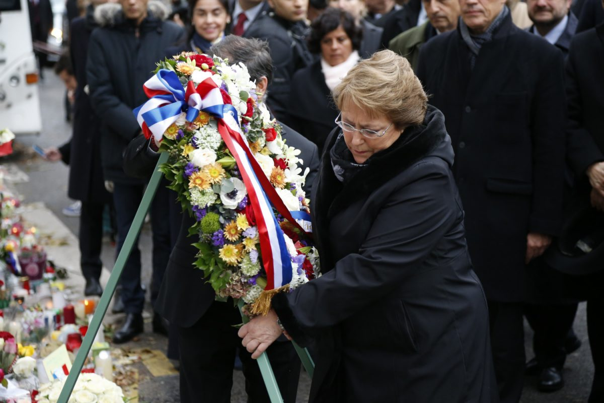 Chile's President Michele Bachelet places a wreath