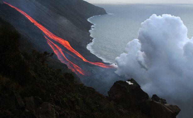 he flanks of the Stromboli volcano