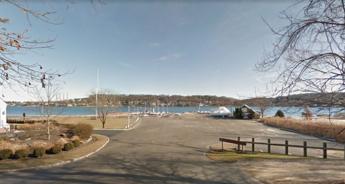 The Centerport Yacht Club (Google Maps)