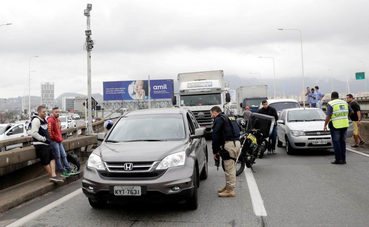 Bus hijacking Brazil 1