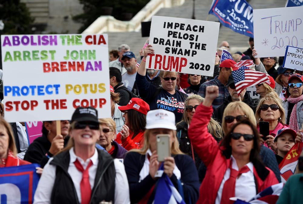 US-POLITICS-IMPEACHMENT-PROTEST